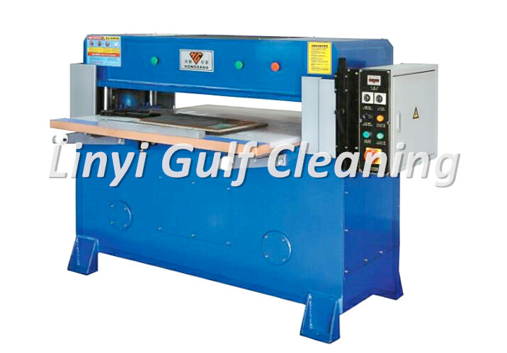 Sponge cutting machine